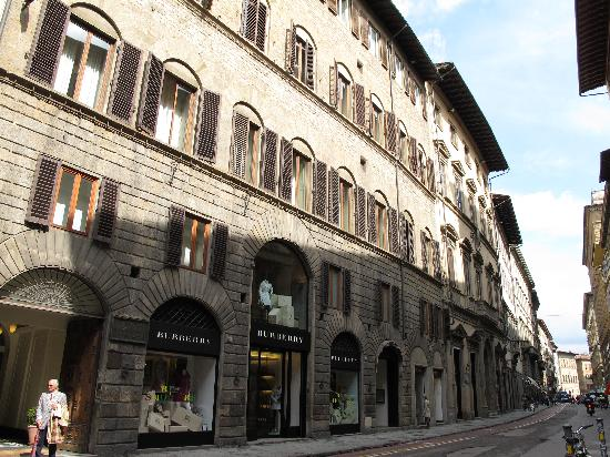 firenze_via_tornabuoni2