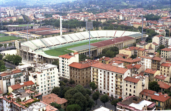Agli ingressi dello stadio franchi in occasione di for Firenze foto storiche