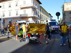L'incidente di via Giovanni Da Empoli (foto gonews.it)