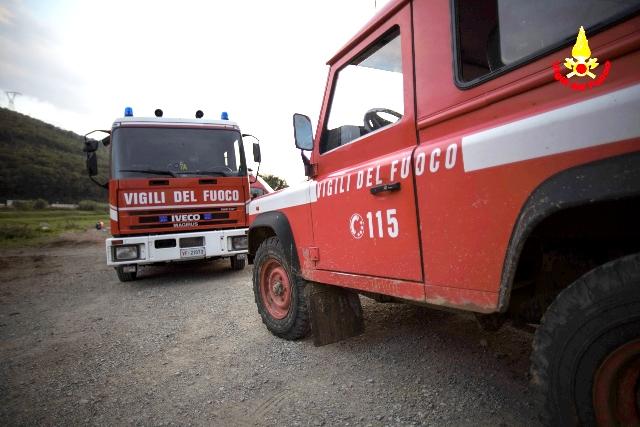 I vigili del fuoco impegnati a Calenzano nella ricerca di una donna scomparsa