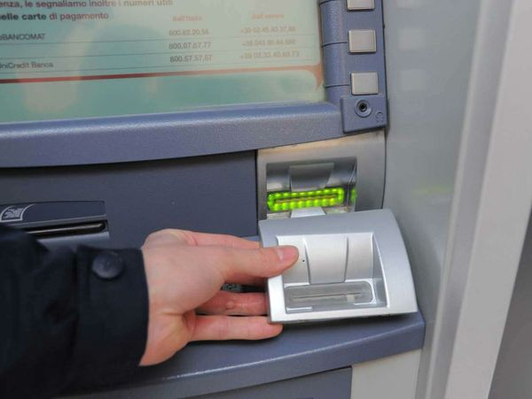 bancomat06