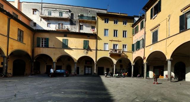 Piazza delle Vettovaglie a Pisa