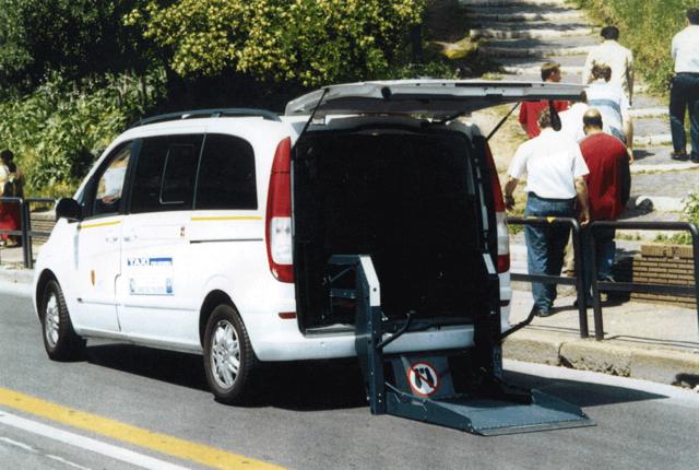 Taxi per disabili (foto d'archivio)