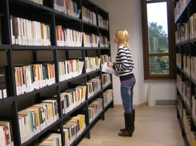 La biblioteca comunale di Poggibonsi