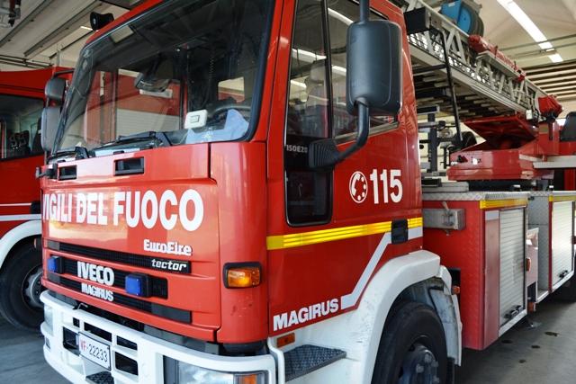 vigili_fuoco_empoli_mezzi_sede_6.jpg (640×427)
