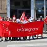 I lavoratori della La Falegnami a Castelfiorentino al presidio della L.Pucci (foto gonews.it)