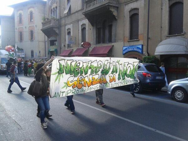 """Ok al Canapisa ma senza street parade: contromanifestazione del centrodestra. Il sindaco: """"Un corpo estraneo"""""""