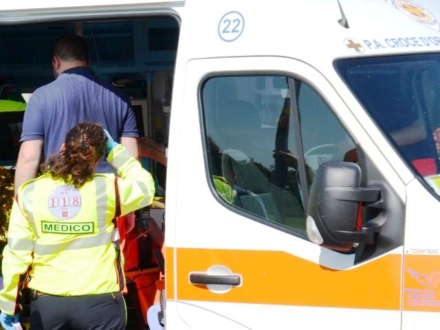 ambulanza_generica_118_soccorso_118_incidente_gonews_it_medico_10