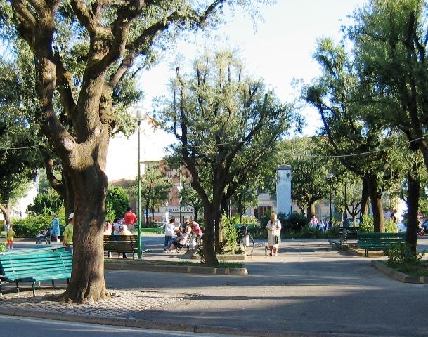 Piazza del Popolo a Montespertoli