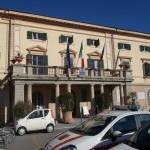 Il municipio di Ponsacco (foto gonews.it)
