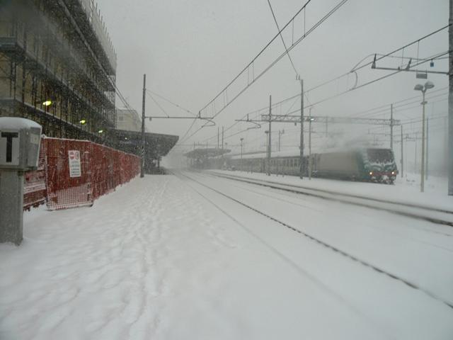 empoli_stazione_ferroviaria_nevicata_17_dicembre_2010_4[1]
