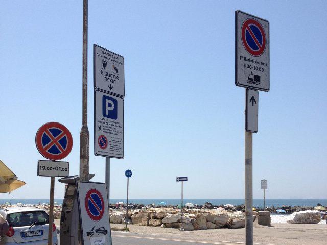 cartelli vari_marina_di_pisa_
