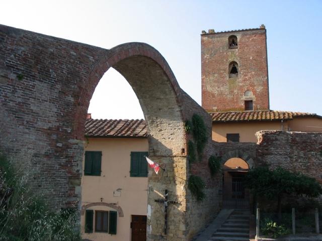 Torre_e_Arco_di_Castruccio_Castracani_montopoli