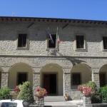Il municipio di Chiusi della Verna (foto: Wikipedia)