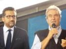 Carlo Macchi dell'associazione 360° con l'allora sindaco di Cascina Alessio Antonelli