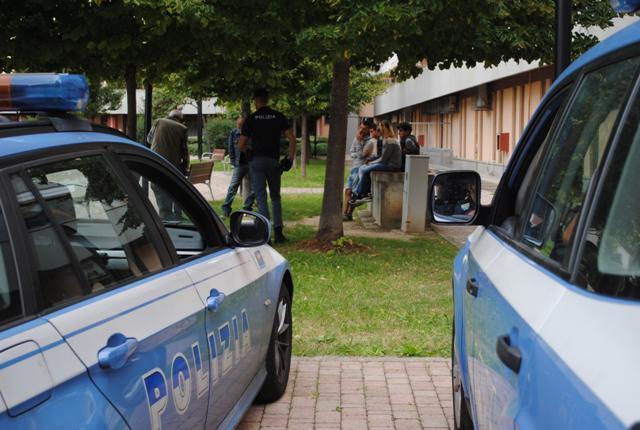 pontedera_polizia_controlli_stazione_25-9-2015-2