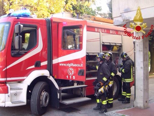 Fuga di gas a Pisa dopo lavori di scavo, interrotta anche circolazione ferroviaria