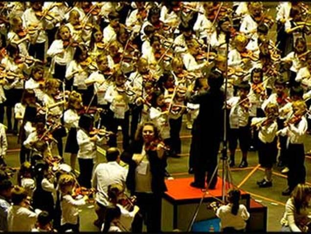 L Orchestra del Centro Suzuki a  Careggi in Musica  - gonews.it 6d31e95411728