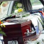 bara_funerale_fiori_generica_morto_2016_08_11