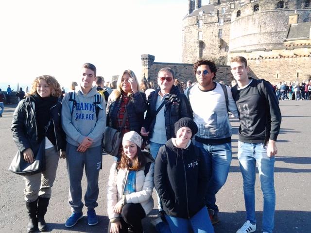 Un gruppo di studenti dell'Enriques