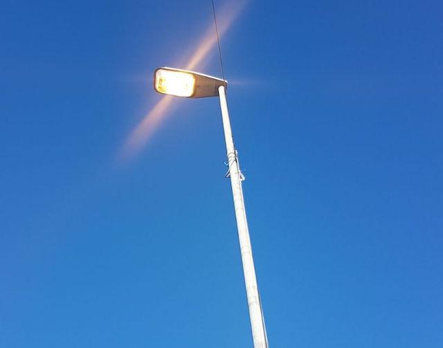 lampioni_accesi_san_miniato_luce_giorno_segnalazione_via_dalmazia_2017_09_21_3