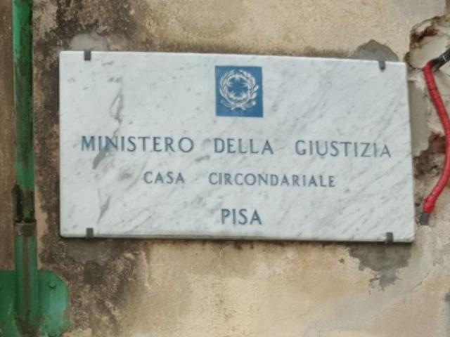 Doveva essere in carcere, lo trovano in un B&B a Pisa: arrestato