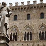 Nella foto la sede del Monte dei Paschi di Siena