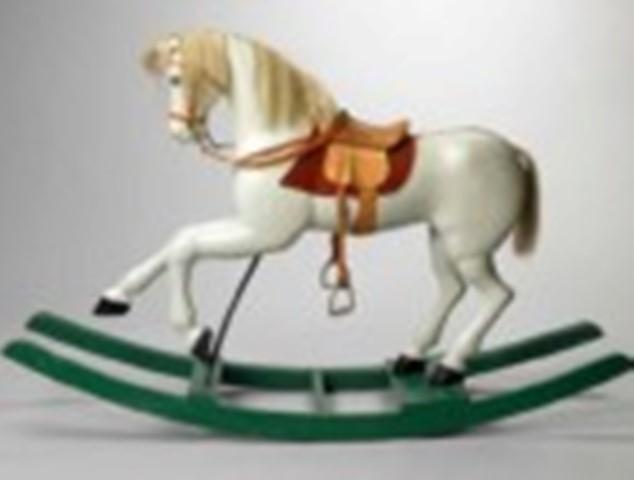 cavallo-a-dondolo-collezione-comune-di-roma-150x109