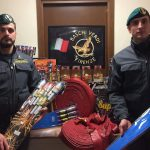 Guardia di Finanza sequestro botti capodanno 31 12 20171