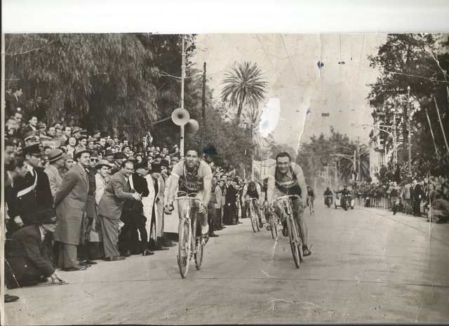 Volata arrivo Milano Sanremo 1943-1 cino cinelli
