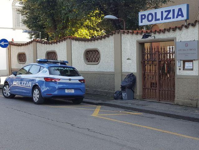 Occupa casa abbandonata a Empoli, 29enne denunciato. Il suo pastore tedesco affidato al canile