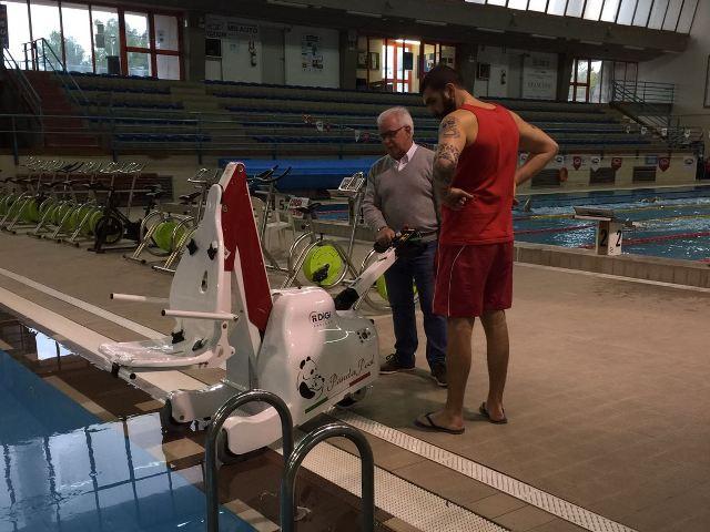 Sollevatori Mobili Per Piscina : In piscina senza problemi con il sollevatore nuovo acquisto all