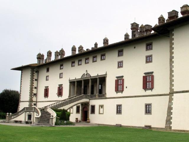 Villa_medicea_di_artimino_(la_ferdinanda),_veduta_13,1