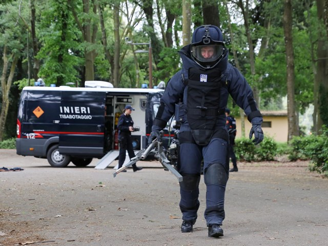 Falso allarme bomba vicino la banca, denunciato 58enne: non aveva i soldi per un versamento