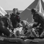 personale infermieristico MM impegnato in soccorso in mare