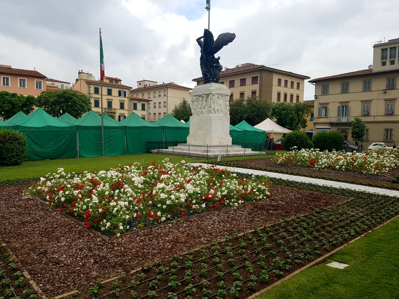 mercatale_piazza_vittoria_empoli1