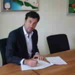 Dario Carmassi firma il nuovo Regolamento contro la Ludopatia