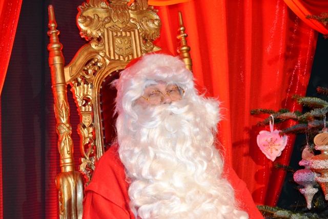 Visitare Babbo Natale.Babbo Natale A Siena Invita I Bambini Delle Contrade Nel Suo Regno Gonews It