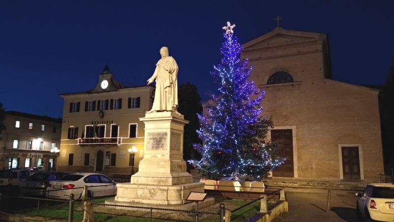 Certaldo Illumina il Natale con novelle, mercatini e la Fiera