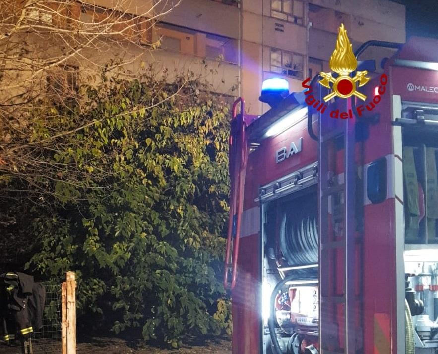 Incendio in appartamento a Prato, morti una donna e un uomo