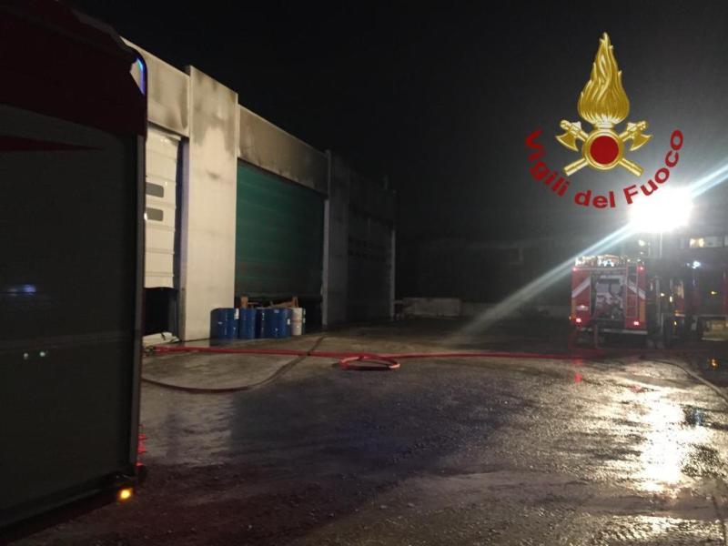 incendio_fabbrica_calenzano_2018_12_22__1