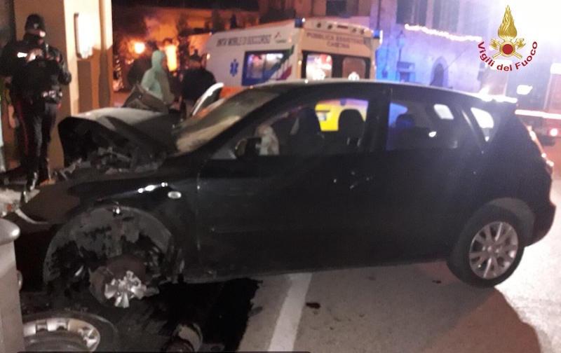 incidente_auto_vicopisano_farmacia_vigili_del_fuoco_2018_12_16_