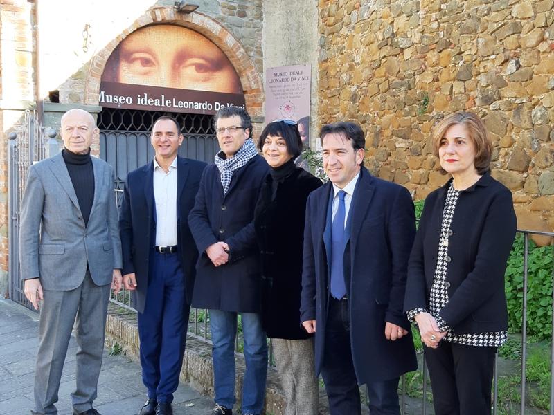 Da sinistra Alessandro Vezzosi, Simonpietro Felice, Giuseppe Torchia, Agnese Sabato, Paolo Santini e Roberta Barsanti (foto gonews.it)