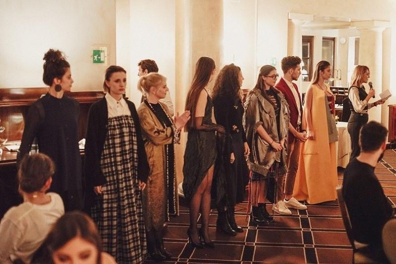 unique_firenze_sfilata_moda_2019_01_08