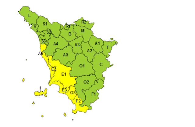 Maltempo, temporali sulla costa: ancora allerta meteo gialla