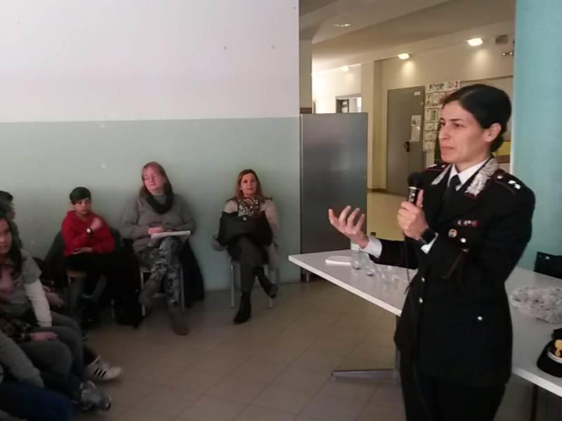 cyberbullismo_carabinieri_fucecchio_lezione_2019_02_14