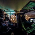 Firenze, elicottero A139 della Polizia di Stato in volo con 8° Reparto Volo di Firenze al crepuscolo sopra la città, nella foto i piloti 2016-02-18 © Massimo Sestini