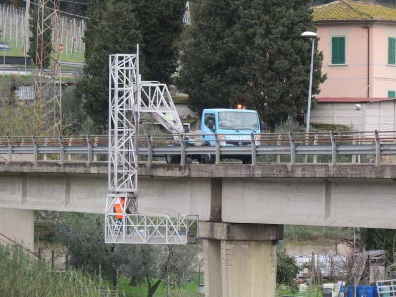 Controlli sul ponte di Camaioni