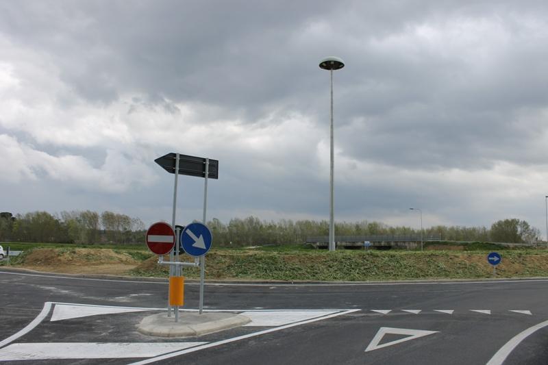 La rotatoria di Dogana della 429 (foto gonews.it)