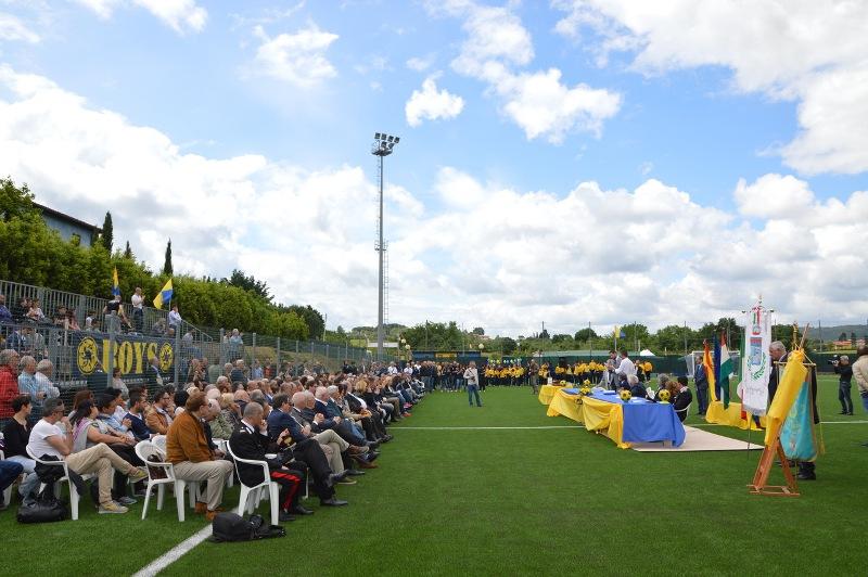 L'inaugurazione del campo Puskas nel 2016 signa